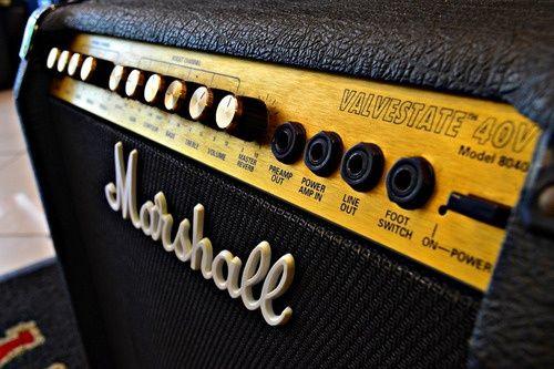 Amplificador Marshall Valvestate 8040