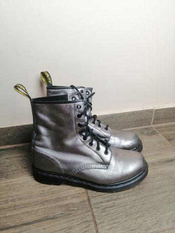 Dr Martens buty wysokie 1450 srebrne błyszczące 42