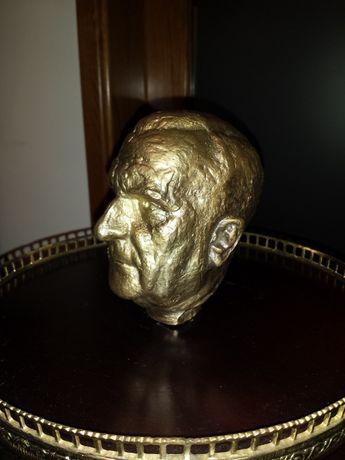 Cabeça de Salazar em bronze