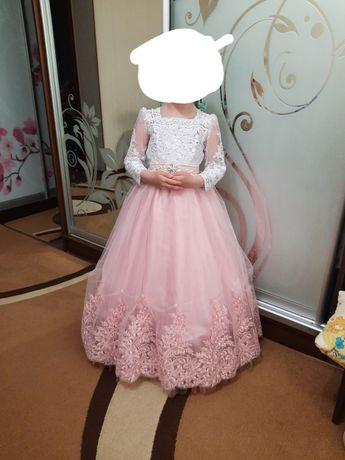 Плаття випускне для дівчинки