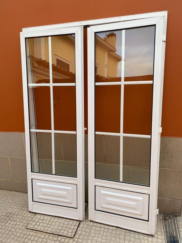 Portas, janelas e portada em alumínio