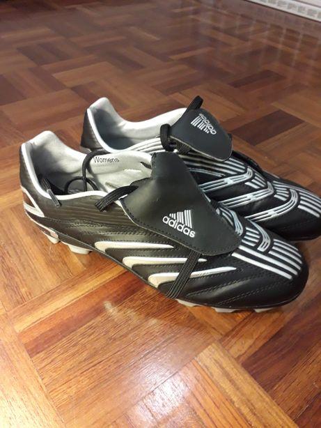 Botas de futebol Adidas p/ relvado natural/sintético