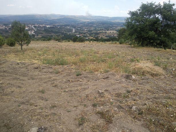 Vende-se terreno com viabilidade para construção