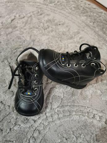 Ботинки, черевички, хайтопи