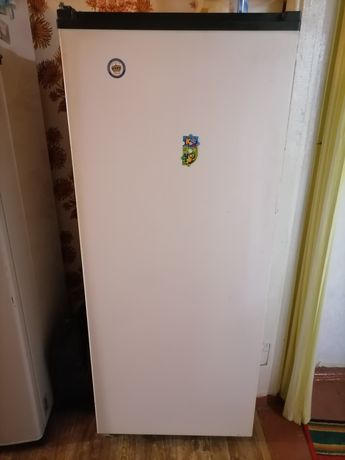 Продам холодильник Донбасс.