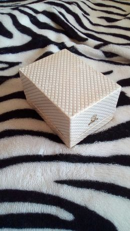 Коробка из-под духов