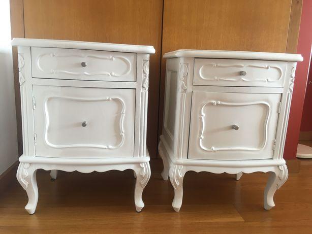 Conjunto mesinhas de cabeceira lacado branco