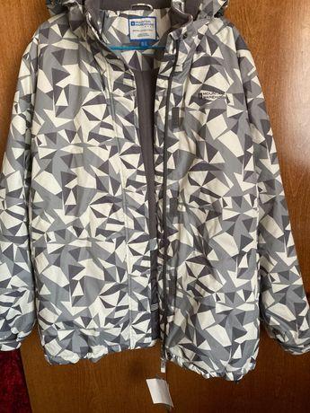 Лыжная куртка женская Mountain,размер 56-58.