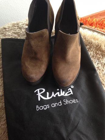 Sapatos Ruika novos