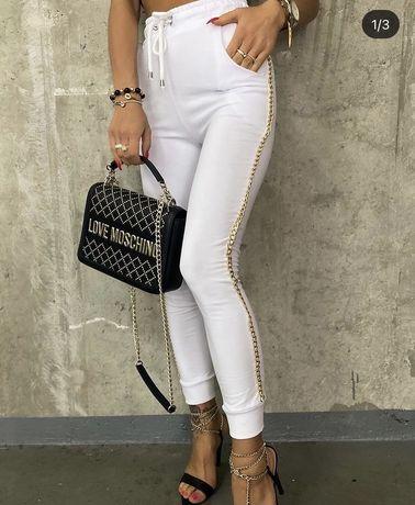 Spodnie dresowe biale z lancuszkami zlotymi
