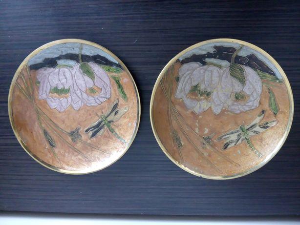 kolekcjonerskie mosiężne talerze malowane