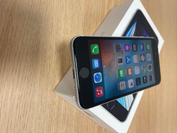 smartfon Apple iPhone SE 2020 64GB biały