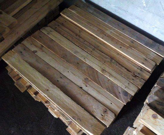 Ripas e barrotes de madeira