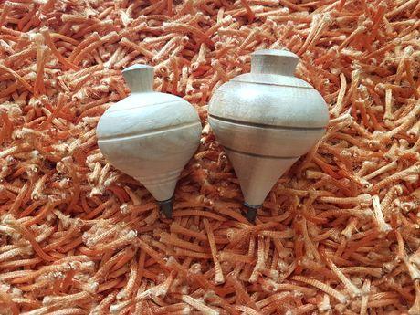 PORTES GRÁTIS - Brinquedos Vintage Piões de Madeira