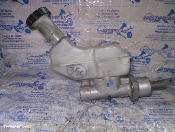 Bomba de Travao 8200129956D RENAULT / clio 3 / 2010 / 1.5 DCI / DIESEL /