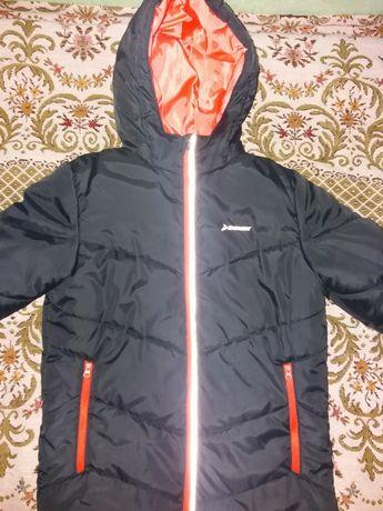 Продам куртку Demix