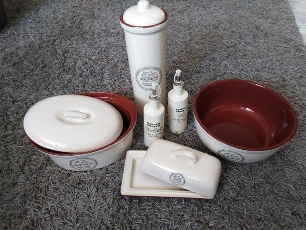 Komplet naczyń ceramicznych nowych