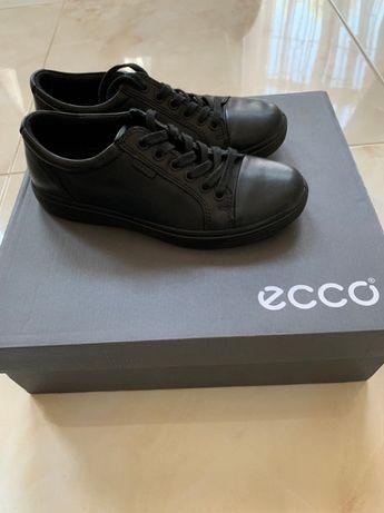 продам демисезонные туфли фирмы ECCO