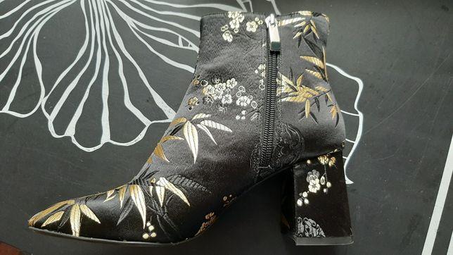 Botki Zara haftowane