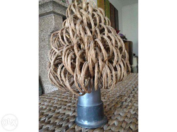 Peça decorativa - Árvore de chumbo