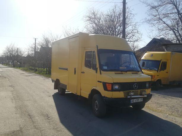 Mercedes 308D 1995год выпуска