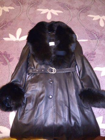 Продам кожанное пальто