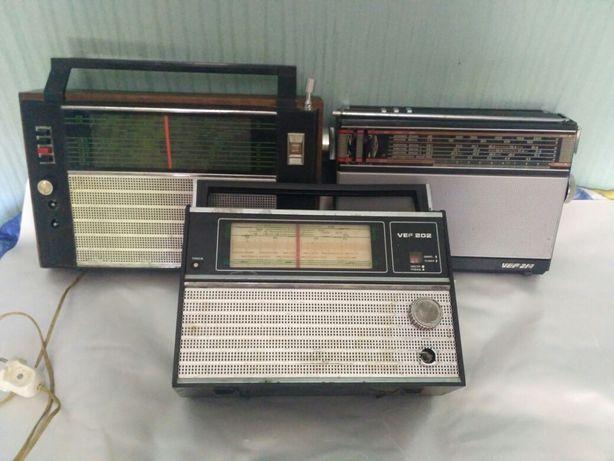 Срочно продам радиоприемник времён ссср