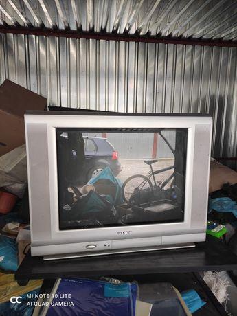 Oddam telewizor Sharp