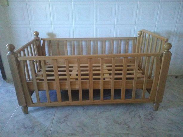 Cama de bebé madeira maciça