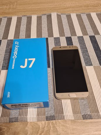 Samsung galaxy J7 z 2017r