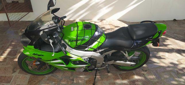Kawasaki Ninja 2004