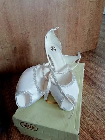 Piękne satynowe buty z cyrkoniami r. 41