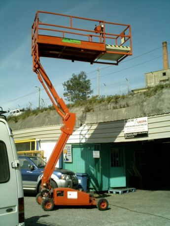 Plataforma elevatória elétrica 8 mts