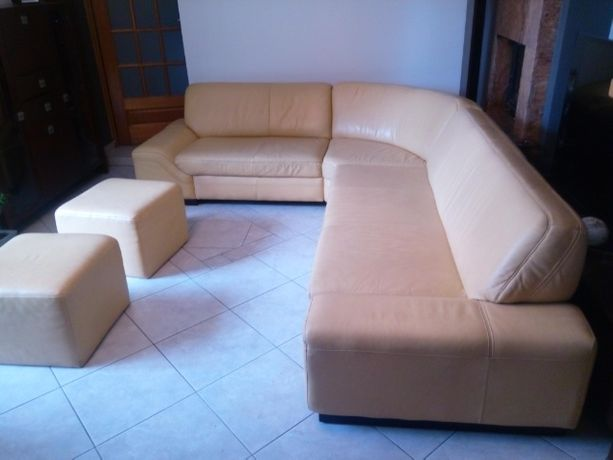 Duża kanapa narożna.