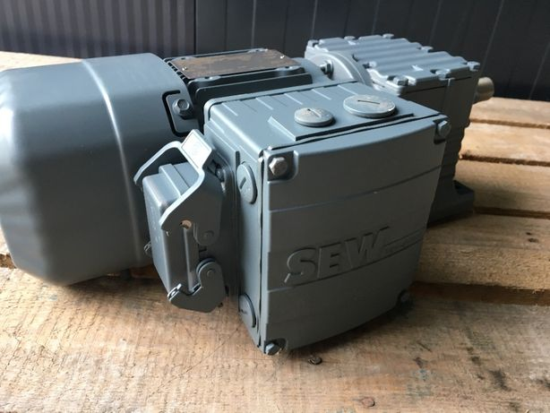 Motoreduktor SEW 62 obr/min 0,37 kW nowy