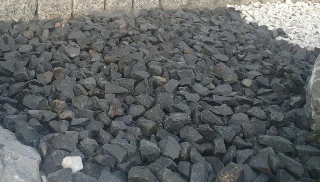 Grys Czarny bazalt kamienie ozdobne otoczak kora kruszywa Dostawa