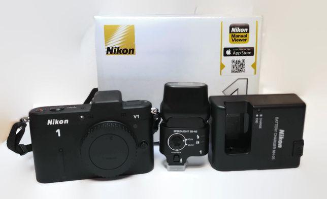 Aparat Nikon V1 body + lampa Nikon SB-N5 komplet