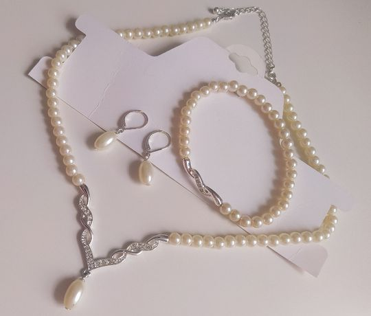 Komplet biżuterii perełki, łańuszek, kolia, kolczyki