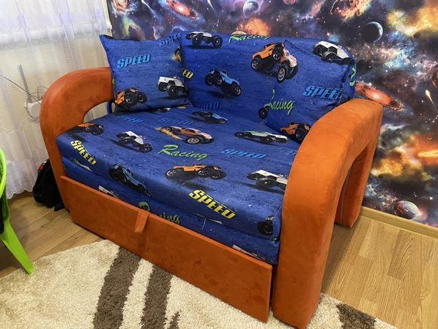 Дитячий диванчик
