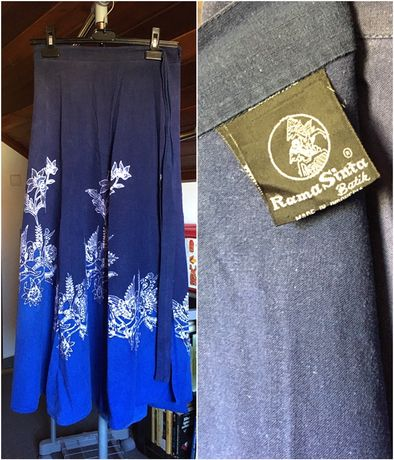 Saia comprida tingida em batik, saia indiana e saias rodadas verão