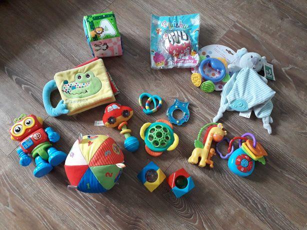 Grzechotki, gryzaki, zabawki dla dziecka  wieku 0-6