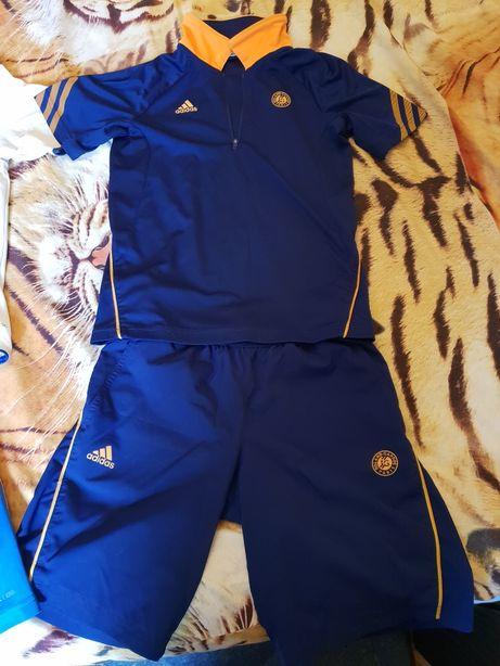 """Продам спортивный дет.костюм """"Adidas"""" б/у для футбола."""