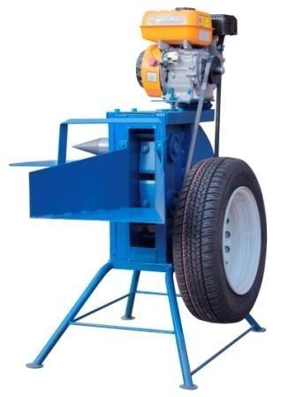 Измельчитель веток-дровокол с приводом от бензинового двигателя