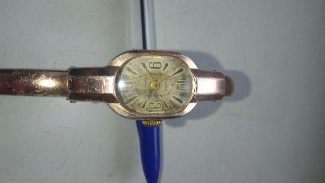 Женские часы Лира