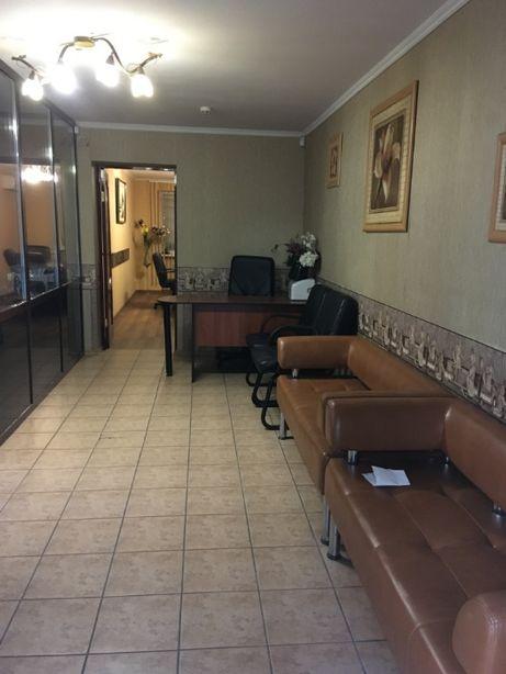 Офисное помещение, пл. Ленина, 60 кв.м., 3 комнаты, отдельный вход,