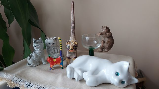 Koty - Figurki- ceramika- Drewno