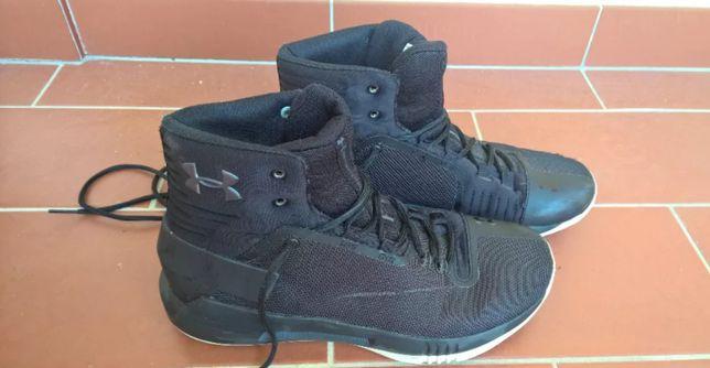 Buty do koszykówki Under Armour Drive 4 rozm. 40 (dł wkładki 25,5 cm)