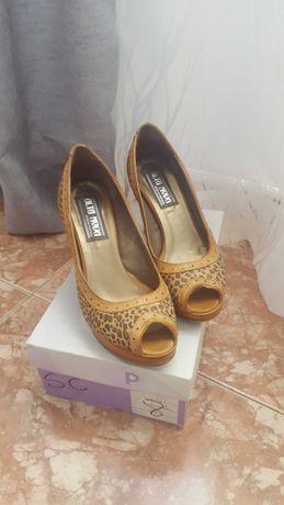 Sapato de senhora n38 Lindo e confortável em pele
