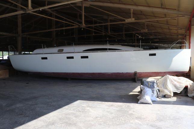 Парусная яхта РУТ-12