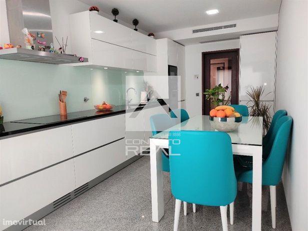 Apartamento T3 C/ Box p/ 2 viaturas Maia / Colégio Novo